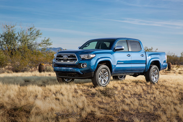 2016-Toyota-Tacoma-Driving